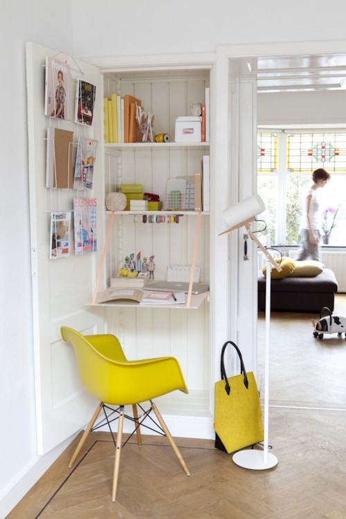 : Closet Offices, Interiors Design, Work Spaces, Workspaces, Tiny Offices, Small Spaces, Offices Nooks, Desks Spaces, Home Offices