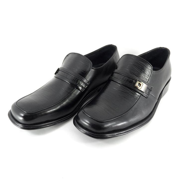 Sepatu Merek Ancarici Seri 2927: Salah satu flagship product dari merek Ancarici, sepatu pantofel dengan desain modern ini cocok dipakai untuk acara-acara resmi. Terbuat dari bahan kulit sapi asli dengan bahan sol fiber. Sol sepatu ini di-press dan kemudian dijahit sehingga menjamin kualitas dan keawetan.