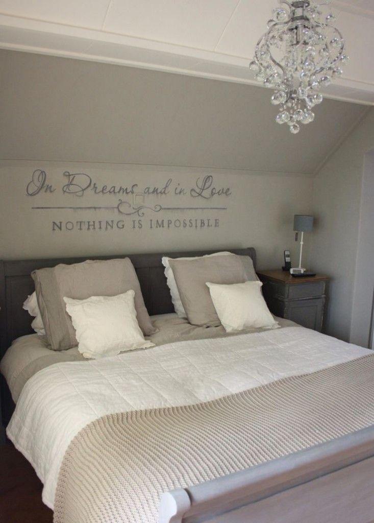 25 beste idee n over taupe slaapkamer op pinterest slaapkamer muur kleuren slaapkamer verf - Grijze hoofdslaapkamer ...