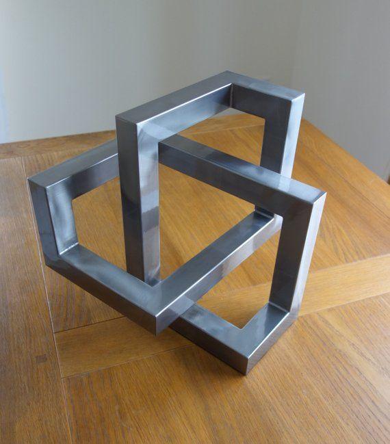 Trefoil métal fabriqué à partir de section de l…