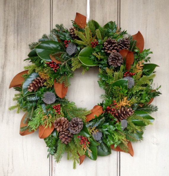 Deluxe Fresh Evergreen Christmas Wreath With Lush Magnolia