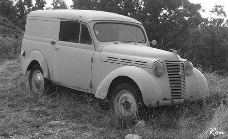 Renault JUVA 4 dans Vehicules Sujet-JUVA