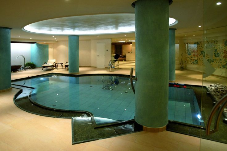 It is more than swimming-pool: we like calling it an aquatic fitness as it is equipped with countercurrent swimming, neck massaging functions , underwater jets to massage lumbar and lower limbs, hydrobike and hydrorunner.