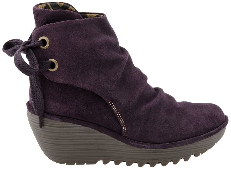 Buy the Fly London Yama boot at PlanetShoes.com. Discover Fly London shoes, the brand of universal youth fashion culture at PlanetShoes.com, your trusted source for feel-good footwear, with free shipping & returns! (Purple Suede)