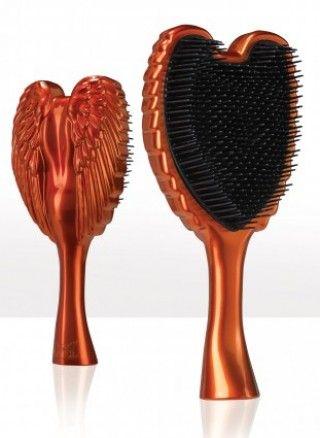 Tangle Angel Professional  Orange - Новая коллекция легендарных расчесок!  Стильный ангелочек, оберегает Ваши волосы и дарит им блеск и гладкость. Чудо-расчесочка обладает мягкими щетинками, деликатно расчесывает любые волосы - тонкие, ломкие, спутанные + не электризуются волосы. Яркая расчесочка должна быть у каждой модницы!