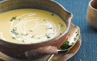 Envie d'une bonne soupe pour l'hiver ? Nous vous suggérons cette recette de velouté d'endives et patates douces. De quoi se réchauffer pour un moment.