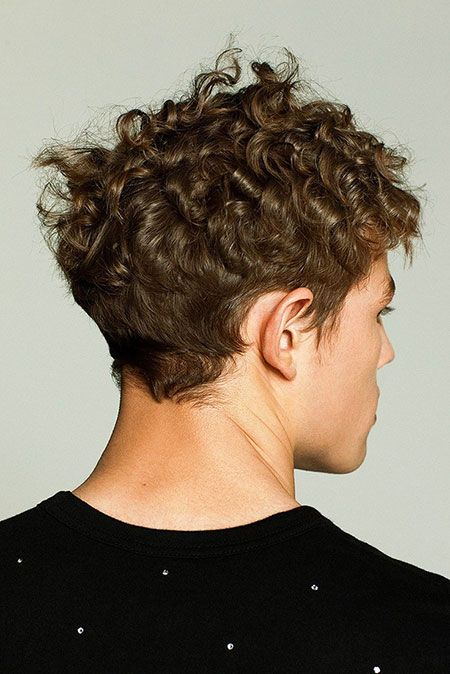 Cool Curly Hairstyles for Men_3