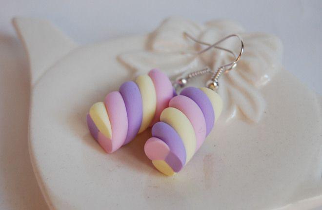 Orecchini Marshmallow in fimo (lilla, rosa, g por La Botteghilla en Blomming
