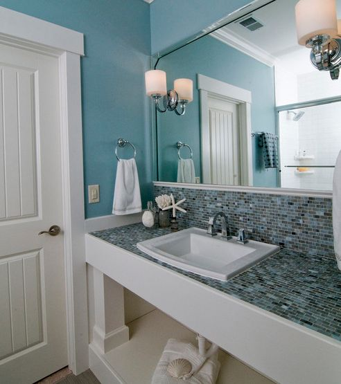 Beach themed bathroom
