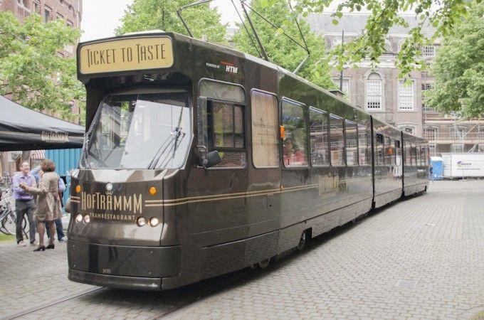 Zin in een etentje omringd door beleving? De Hoftrammm is een omgebouwde restaurant en rijdt in de omgeving van Den Haag. Een uniek concept!