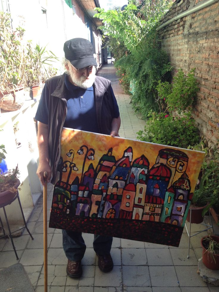 """José Santos Guerra con obra """"Casas"""" en sus manos, gran artista!"""