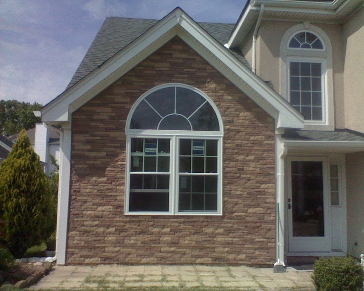 1000 images about vinyl siding remodel on pinterest Vinyl siding that looks like stone