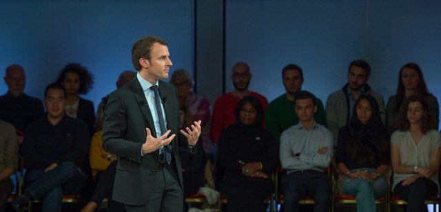 """Emmanuel Macron : """"Quand on est jeune 35 heures ce n'est pas long"""""""