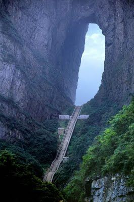 This is incredible: Heaven's stairs, Tian Men Shan, ChinaGates Mountain, Buckets Lists, Heavens Gates, Travel, Places, Stairways To Heavens, Bucket Lists, China, Tianmen Mountain