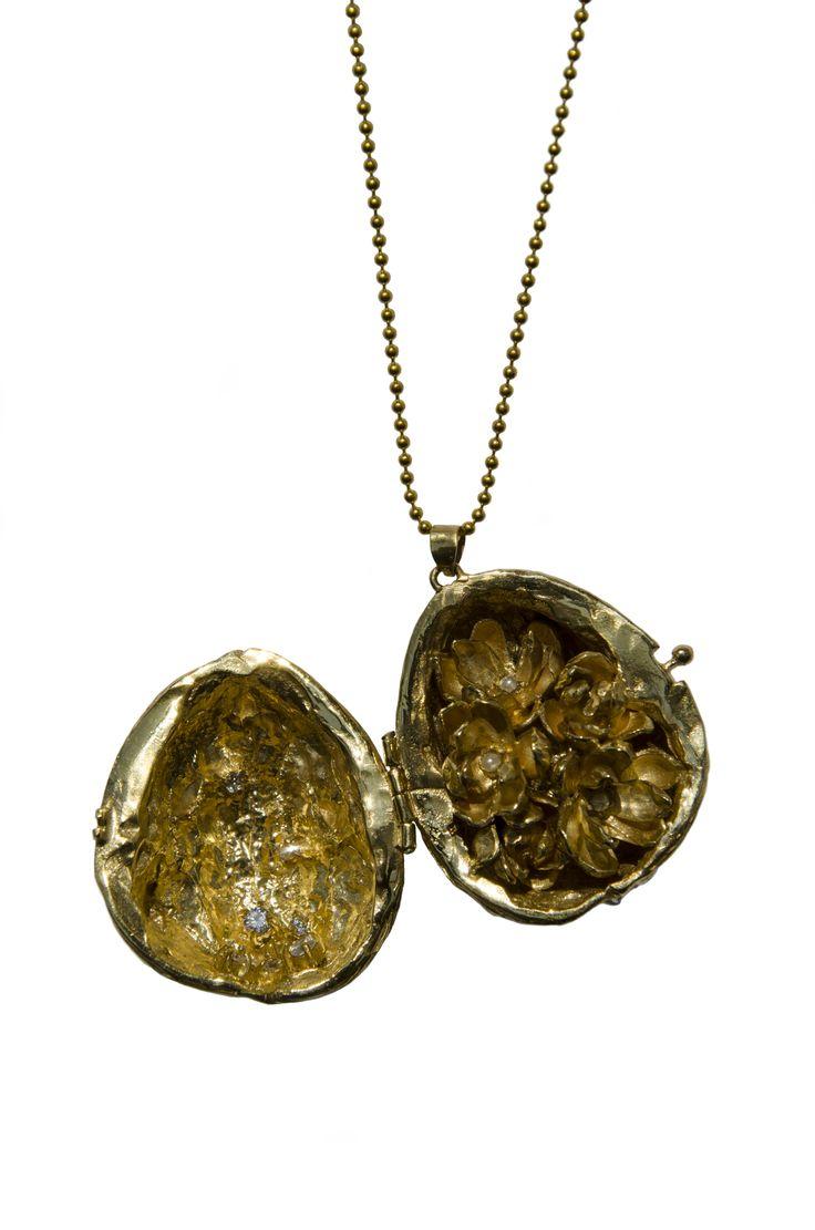 Carolina Curado Walnut Necklace www.carolinacurad...