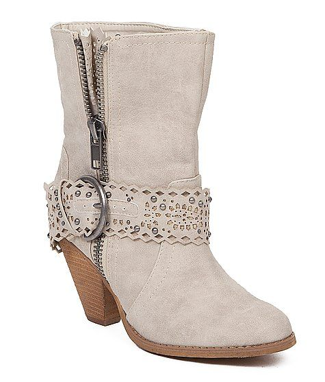 These are the perfect boots with my pirate-y wedding dress!  And I already had them Prairie Boots from Buckle.