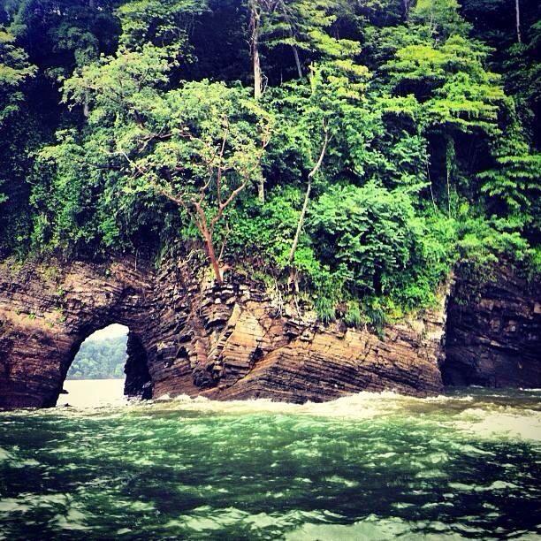 Las ventanas a Playa Dominical, Costa Rica. Las son magnifica.