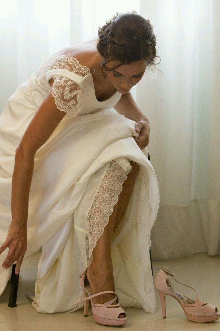 #Peeptoe en #ante #rosa claro con #plataforma y #taconazo en #piton #platformpumps #highheels #heels #fashion #moda #madeinspain #platform #shoes #weddingshoes #womenshoes #wedding #zapatos #peeptoes #madeinspain compra/buy: www.jorgelarranaga.com/es/home/43-230.html