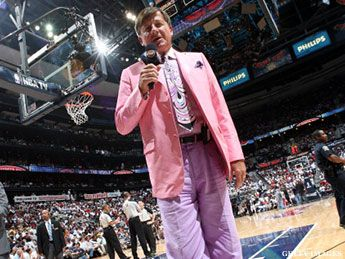 Craig Sager's Worst Outfits.   Craig Sager got some serious ribbing from Kevin Garnett for his All-Star Game attire, and deservedly so. The dude's duds are whack.