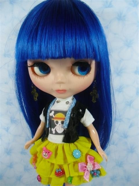 """OOAK:Big Head Basaak Blybe Blythe clone CCE Doll Completed Custom modify face#69"" - BLUE hair Blythe! £58.64 on ebay"