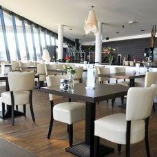 Billiga Restaurangstolar, Restaurangstol av hög kvalitet till rätt pris. Vad är väl skönare än en bekväm och fin stol att sitta i. Här hos Horecabox hittar du snygga restaurangstolar, vårt utbud är stort och varierat.  Besök oss gärna! http://horecabox.se/restaurangmobler  Mejla info@horecabox.se eller ring vår kundtjänst på nummer 08-559 2 6565 vid frågor.  #restaurangstolar #matstolar #trästolar #restauranginredning #restaurangmöbler