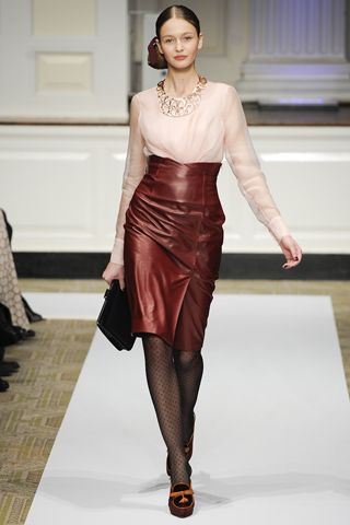 Oscar de la Renta PF12 high-waisted burgundy leather pencil skirt on Exshoesme.com