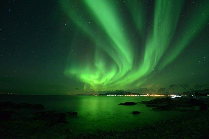 Desde sempre que as auroras boreais são um espectáculo natural que alimenta a imaginação da Humanidade. A ciência ajuda-nos na compreensão deste fenómeno.