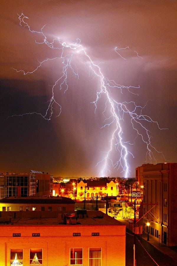Stunning giant lightning galleries. No wonder a lot of people assign it as a God wrath.