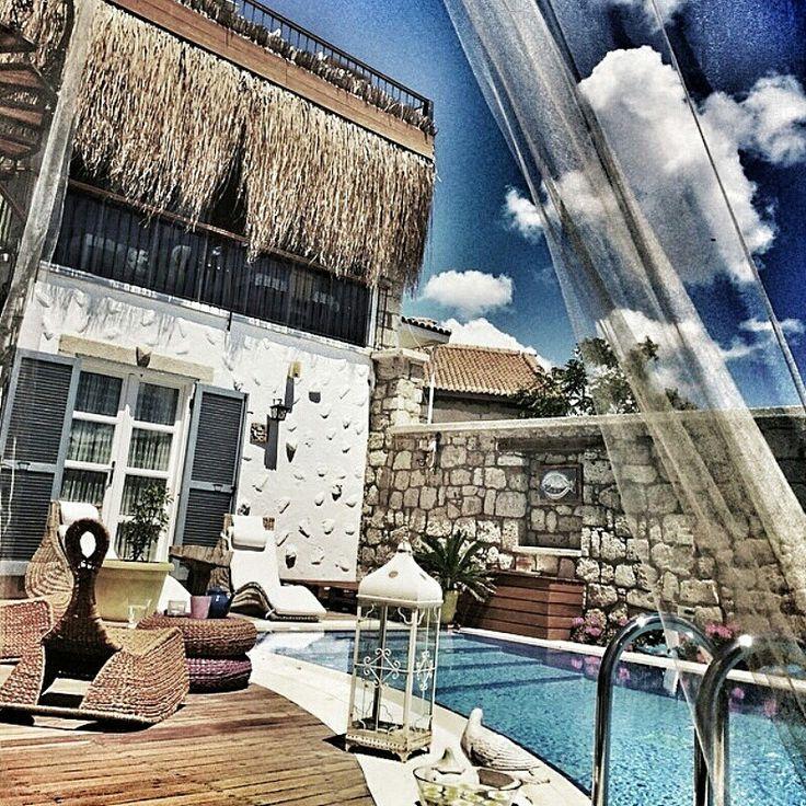 Decoration By gunel instagram;  @decorazione_design