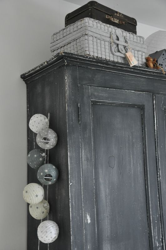 17 best images about patiner modifier un meuble on - Repeindre vieille armoire ...