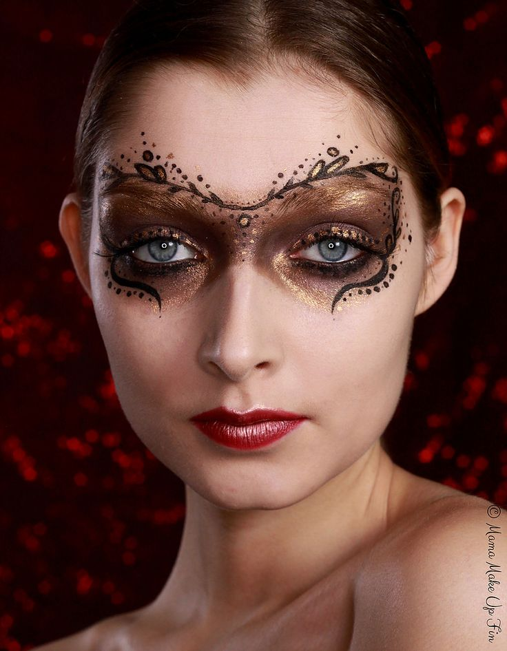 Maskeeraaja | Meikkaaja | Maskeeraussuunnittelija | Kauneusvloggaaja | Elina Marttila
