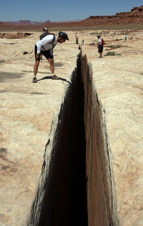 'black Crack', White Rim Trail, Canyonlands National Park : pics