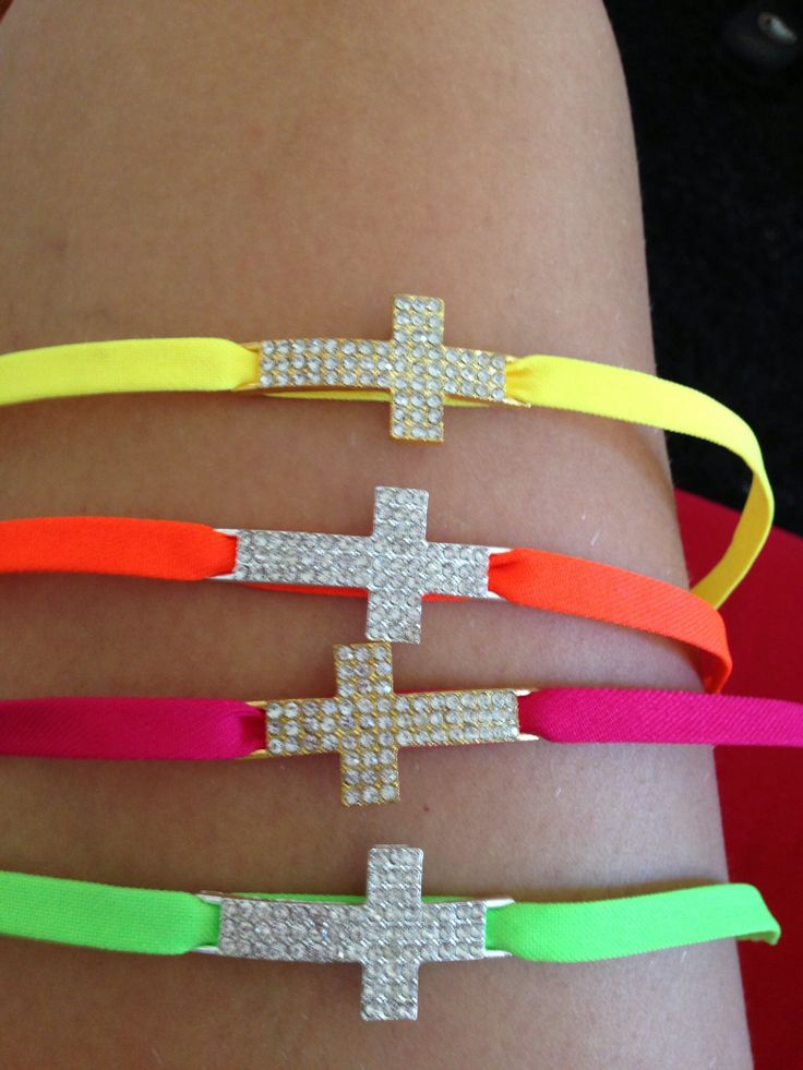 Pulseras cruces
