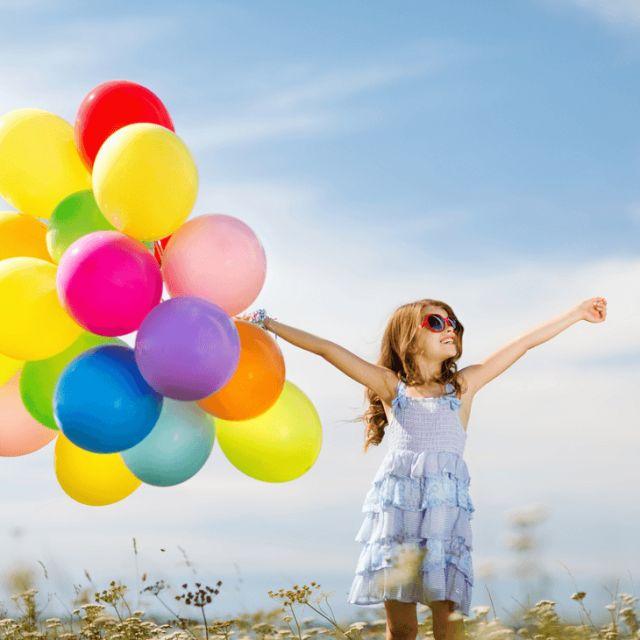 21 ПРИВЫЧКА СЧАСТЛИВЫХ ЛЮДЕЙ Счастье является единственным устремлением, с которым  согласны все люди. Никто не хочет быть грустным и подавленным.  Все мы знаем людей, которые всегда счастливы — даже на фоне мучительного испытания жизнью. Я не говорю, что счастливые люди не чувствуют горе, печаль или грусть, они просто не дают им главенствовать в жизни.  Вот список из 21-й установки , которые являются привычными для счастливых людей:http://abramova.biz/happy_people21.html