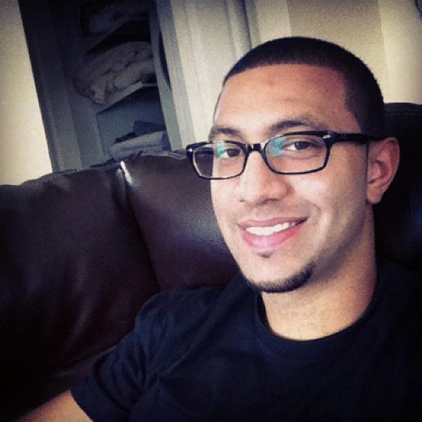 Kendall Marshall sportin his new glasses! @KButter5
