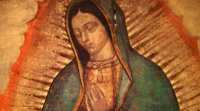 Harán imagen de Virgen de Guadalupe con fotos de familias para el Papa en México 18/12/2015 - 11:19 am .- La Arquidiócesis de México obsequiará al Papa Francisco una imagen de Nuestra Señora de Guadalupe conformada por fotografías de familias mexicanas, durante su visita al país en febrero de 2016.
