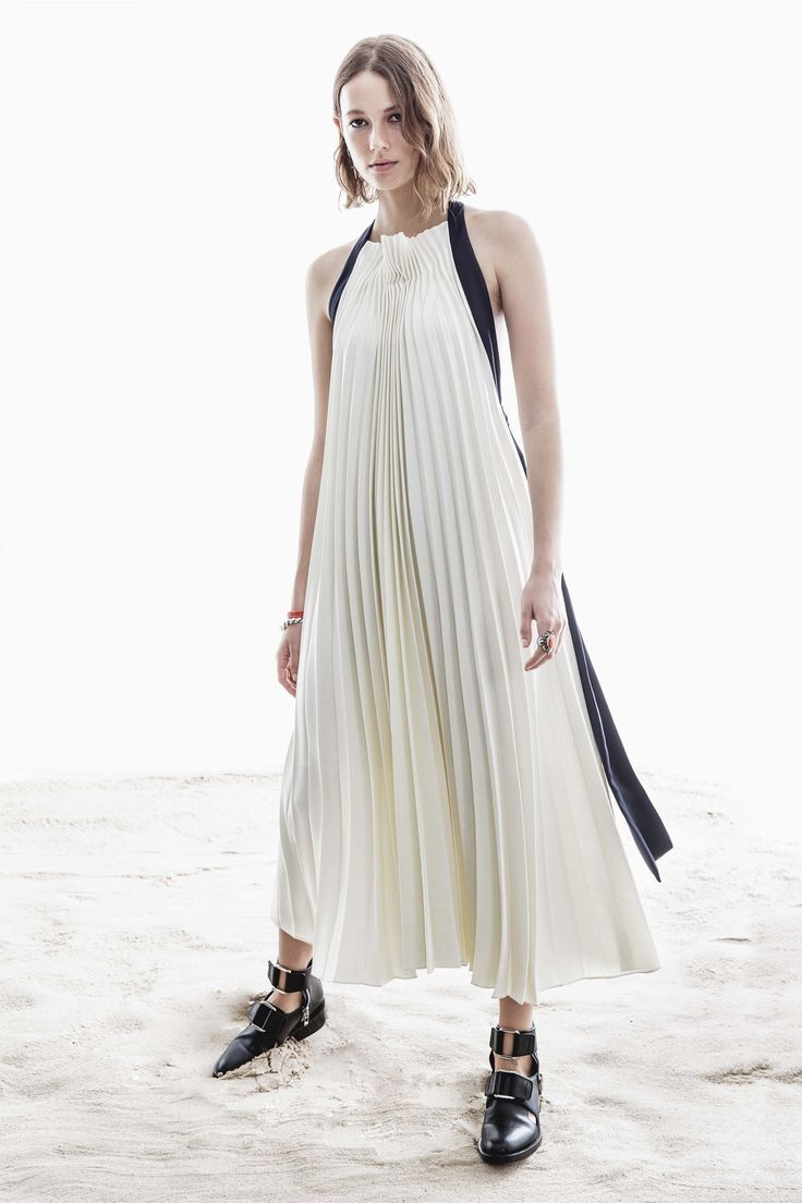 See the complete 3.1 Phillip Lim Resort 2017 collection.
