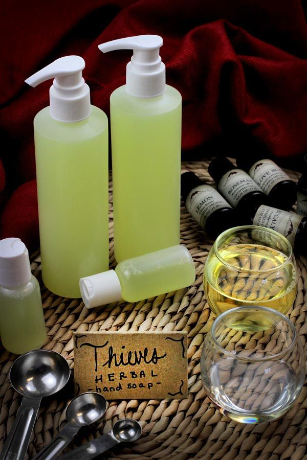 DIY: Herbal liquid handsoap with essential oils