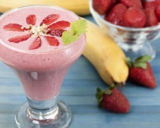 Milkshake glacé aux fraises