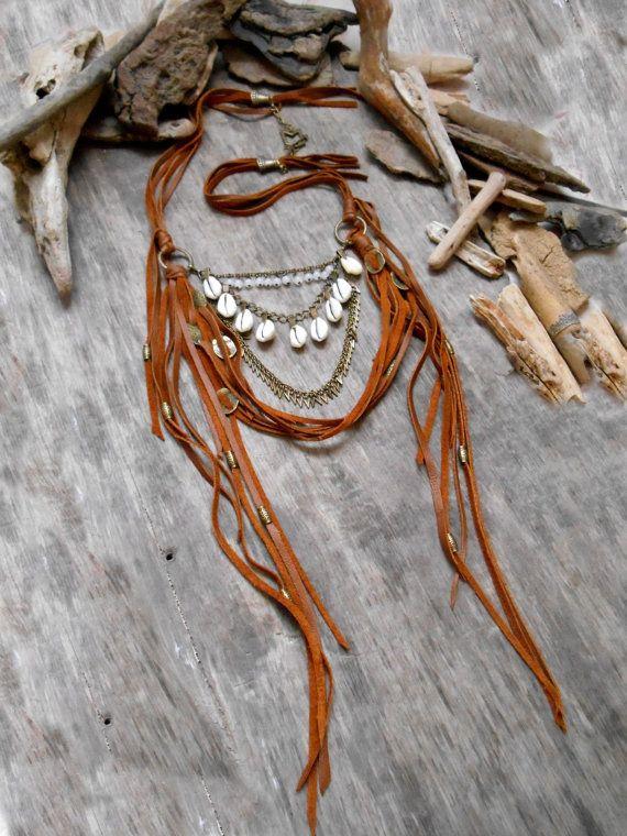 """Halskette Inspiration """"NATIVE AMERICAN TRIBAL"""" Leder, Jade, Muscheln, Grundierungen, Zeichenfolge und Perlen weiß Bronze,"""