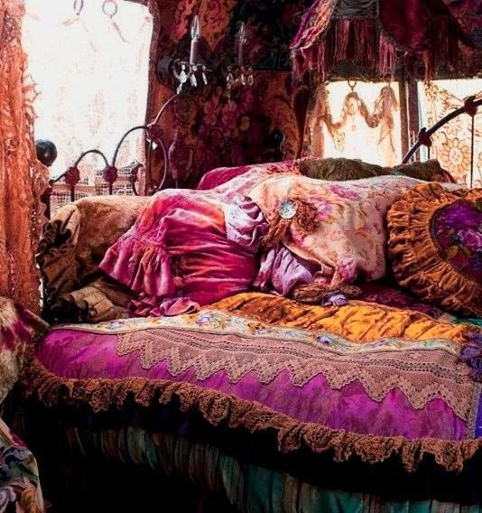 Ive Always Wanted A Gypsy Bedroom No Lie Its So Hard To Get It Look Like This Without Looking Mess