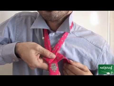 Cette vidéo que je propose sur netprof.fr présente la réalisation d'un noeud de cravate double. #nodo alla cravata