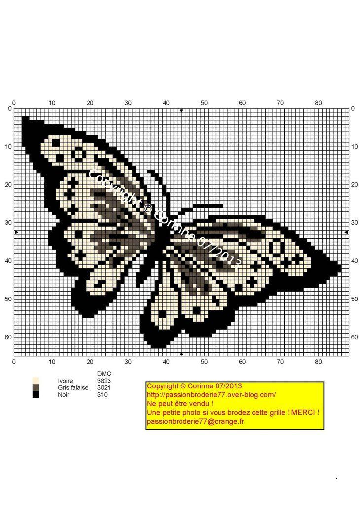 Papillon crème et noir (Cream and black butterfly), designed by Corinne Thulmeaux, Passion Broderie 77 blogger.