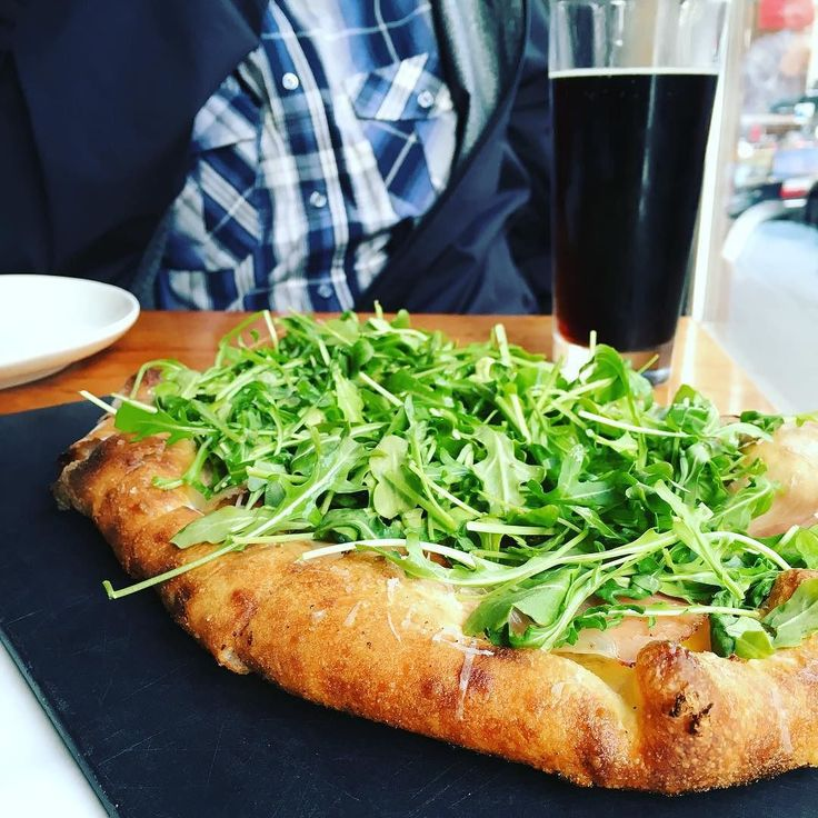 This is some serious brunch happening over here. Soft egg smoked prosciutto pecorino sardo and arugula makes for a great breakfast pizza! They also had the best root beer I have ever tasted! #seriouspizza #seriouslygood #pizza #egg #yolk #ham #veggies #crust #strong #rootbeer #Sinapples #LiveInSeattle #FoodAdventures #Vacation #SinapplesSeattle #Washington #State #EatSeattle #SeattleFoodie #Foodie #WestCoast #Foodpics