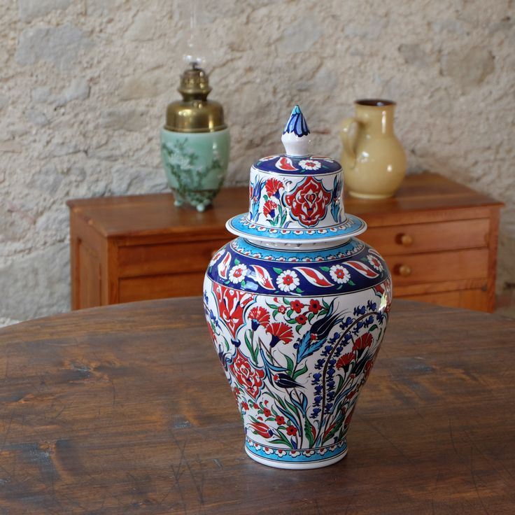 Exceptionnel pot en céramique ottomane Ceylan, par KaravaneSerail
