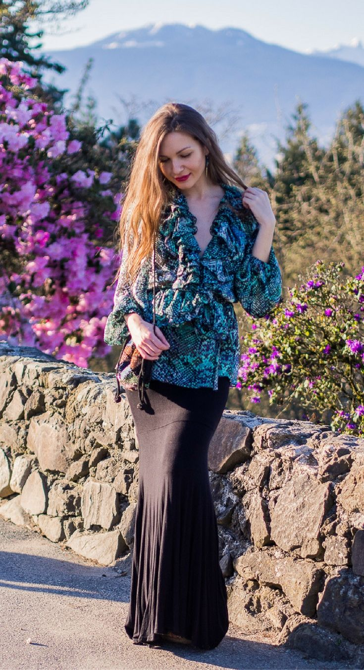I've Got Sunshine ☀️   Style and Travel Blogger - Here are three styling tips for animal print tops that can help you achieve that effortless look!