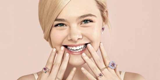 Elle Fanning Age, Height, Weight, Net Worth, Measurements