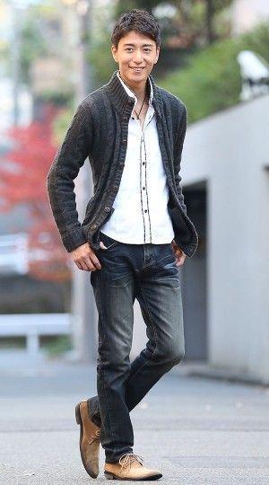 【コーデに入れるだけで大人の風格を作り出す!】ケーブル編みスタンドカラーニット コーディネート一覧 - メンズファッション通販│モテる服選び MENZ-STYLE