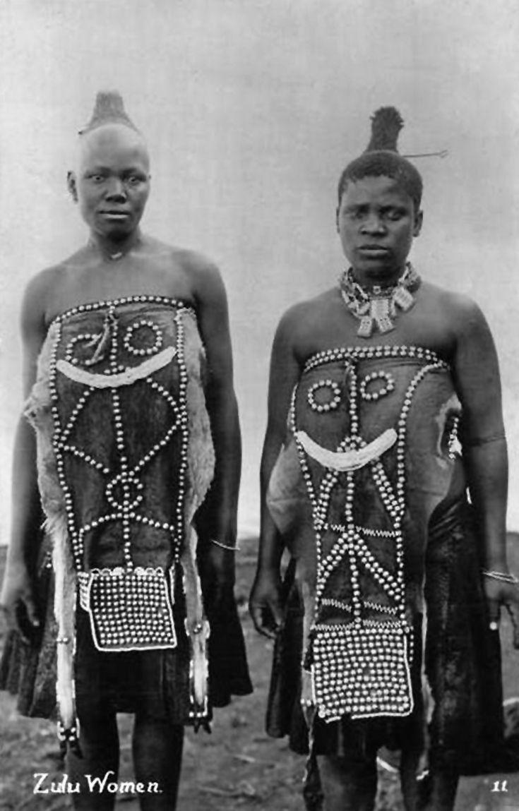 Africa | Zulu women. South Africa. Post stamped 1904. || Vintage postcard; publisher Sallo Epstein & Co, Durban
