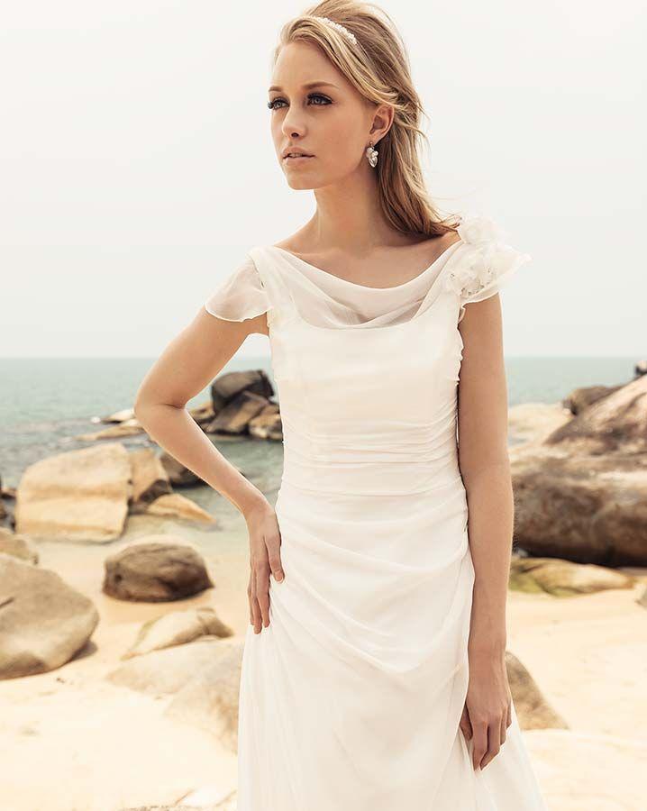 15 best Robe de mariée images on Pinterest   Short wedding gowns ...